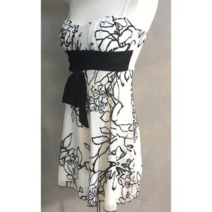 Dresses & Skirts - Black and White Floral Patterned Dress